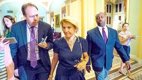 TNS Shelley Moore Capito (giữa), một trong những thành viên đảng Cộng hòa phản đối xóa bỏ Obamacare