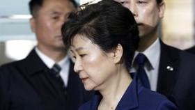 Tòa án phong tỏa tài sản cựu Tổng thống Hàn Quốc