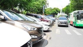 UBND TPHCM chấp thuận đề án tăng mức thu phí tạm dừng ô tô
