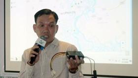 Chuyên gia khu Công nghệ cao TPHCM giới thiệu các thiết bị cảnh báo chống ngập. Nguồn: thanhuytphcm