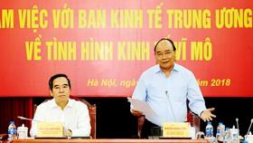 Thủ tướng Nguyễn Xuân Phúc phát biểu tại buổi làm việc với Ban Kinh tế Trung ương