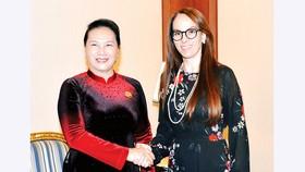 Chủ tịch Quốc hội Nguyễn Thị Kim Ngân tiếp Chủ tịch IPU Gabriela Cuevas Barron. Ảnh: TTXVN