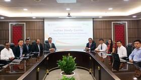 Lễ ra mắt Trung tâm nghiên cứu Ấn Độ tại HIU diễn ra với sự tham dự của Đại sứ Phạm Sanh Châu và đoàn đại diện Công ty Công nghệ đa quốc gia HCL Technologies (Ấn Độ)