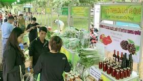 Khai mạc Chợ phiên nông sản an toàn Bình Chánh thứ 13