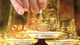 Giá vàng tại Mỹ và châu Á đều giảm trước thềm cuộc họp tiền tệ của FED. Ảnh: Reuters