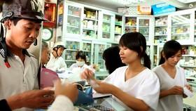Việt Nam chưa kiểm soát được việc bán, chỉ định điều trị kháng sinh bừa bãi