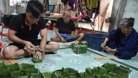 Phố bánh chưng ở Biên Hòa