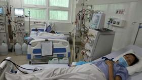 Bệnh nhân được chạy thận tại BV Thống Nhất. Ảnh T.T