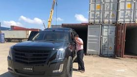 'Chuyên cơ mặt đất' Cadillac Escalade độ Lexani hàng độc về Việt Nam