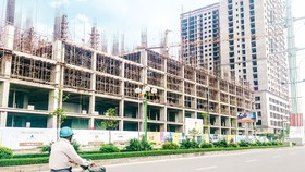 Thị trường bất động sản: Cung tắc, dễ đầu cơ kích giá