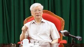 Đồng chí Tổng Bí thư, Chủ tịch nước Nguyễn Phú Trọng chủ trì họp lãnh đạo chủ chốt