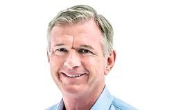 CEO Finbarr O'neill - Vị luật sư có tài lãnh đạo