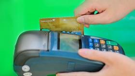 Yêu cầu tăng cường giám sát phát hành và sử dụng thẻ tín dụng