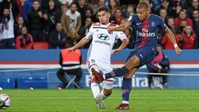 Lyon đẩy giá cầu thủ lên trước mùa chuyển nhượng