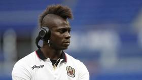 Mario Balotelli tính rời Nice để sang Premier League