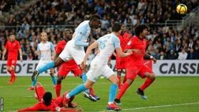 Phá lưới đội bóng cũ, Mario Balotelli chứng tỏ HLV Vieira sai lầm