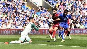 Cardiff City - Liverpool 0-2:  Wijnaldum giúp The Kop chiếm lại ngôi đầu