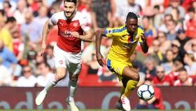 Arsenal - Crystal Palace 2-3: Benteke, Zaha và McArthur quật ngã Pháo thủ