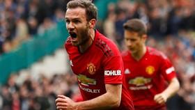 Juan Mata ghi bàn mở tỷ số trong ngày sinh nhật thứ 31 của mình