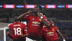Huddersfield - Man United 1-1, Mbenza khiến Quỷ đỏ giã từ đường đua tốp 4