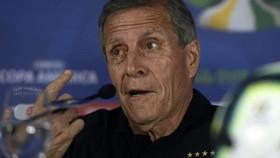HLV kỳ cựu Oscar Tabarez của tuyển Uruguay
