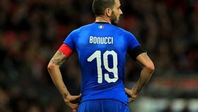 trung vệ Leonardo Bonucci không muốn rời nước Ý.