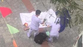 Nhân viên y tế đã đến hiện trường