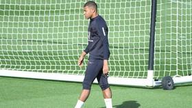 PSG mạo hiểm với Kylian Mbappe