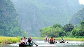 Vẻ đẹp hài hòa của trời, đất, núi, sông ở Tràng An tạo nên một thế giới tự nhiên sống động đầy quyến rũ. (Ảnh: Minh Đức/TTXVN)