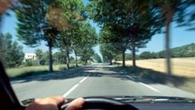 Pháp giới thiệu máy kiểm tra nồng độ cồn có thể vô hiệu hóa động cơ xe