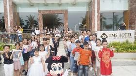 Đông đảo thí sinh nhí có mặt tại TMS Hotel Da Nang Beach tham gia tuyển sinh.