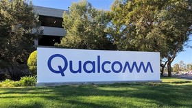Biểu tượng Qualcomm tại trụ sở ở San Diego, California, Mỹ. (Ảnh: THX/ TTXVN)