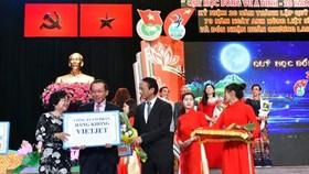 Vietjet nhận bằng khen Chính phủ về những đóng góp cho cộng đồng