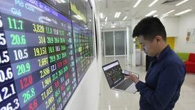 Đón tin tốt VN Index bật tăng hơn 15 điểm