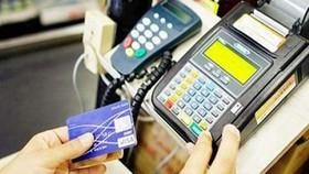 NHNN cấm rút tiền mặt tại POS đơn vị chấp nhận thẻ