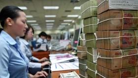 Áp lực vốn trung và dài hạn, nhiều ngân hàng tăng mạnh lãi suất