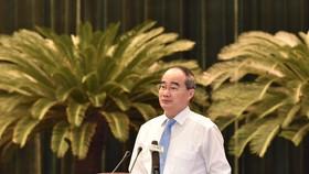 Đồng chí Nguyễn Thiện Nhân, Bí thư Thành ủy TPHCM phát biểu tại hội nghị. Ảnh: VIỆT DŨNG