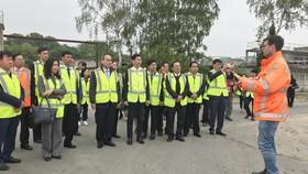 Bí thư Thành ủy TPHCM Nguyễn Thiện Nhân thăm nhà máy xử lý nước thải Hà Lan không dùng hóa chất