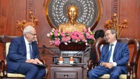 Bí thư Thành ủy TPHCM Nguyễn Thiện Nhân: Khuyến khích xây dựng công trình xanh