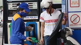 Đề xuất tăng kịch khung thuế bảo vệ môi trường đối với xăng dầu