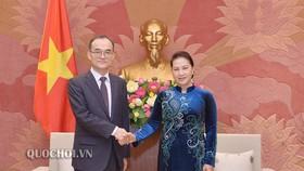 Chủ tịch Quốc hội Nguyễn Thị Kim Ngân và Viện trưởng Viện Công tố Tối cao Hàn Quốc Moon Moo-il
