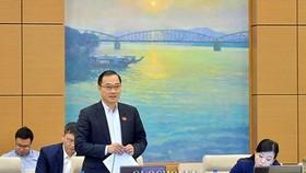 Ông Vũ Hồng Thanh - Chủ nhiệm Ủy ban Kinh tế phát biểu tại phiên họp UBTVQH