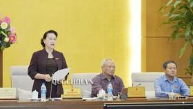 Chủ tịch Quốc hội Nguyễn Thị Kim Ngân phát biểu bế mạc phiên họp thứ 35 của UBTVQH. Ảnh: QUOCHOI