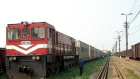Thông tuyến đường sắt Bắc - Nam đoạn Tháp Chàm - Nha Trang