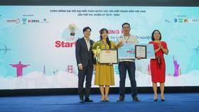 Trao giải thưởng cho ý tưởng đoạt giải nhất cuộc thi Ý tưởng khởi nghiệp sáng tạo Startup- Hunt 2019
