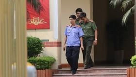 Cơ quan công an và Viện Kiểm sát Phú Thọ khám xét nơi làm việc của ông Tuấn tại Bộ TT-TT