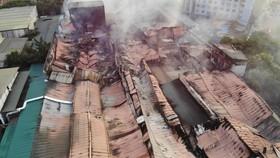 6.000m² kho Công ty Bóng đèn Phích nước Rạng Đông bị thiêu rụi