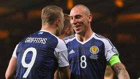 Scott Brown đã giã từ màu áo tuyển Scotland