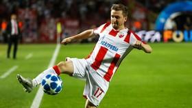 """""""Cựu binh Chelsea"""" - Marko Marin đang thăng hoa trong màu áo của Sao Đỏ"""