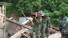 Nhiều tỉnh thành đang khắc phục hậu quả do mưa lũ gây ra